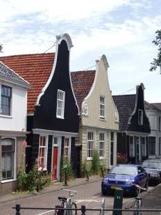 Kapiteinshuizen langs de Nieuwendammerdijk