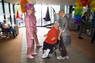 """""""Hé jongens, gaan jullie altijd zo gekleed?"""" vroeg deze dame in onvervalst Amsterdams"""